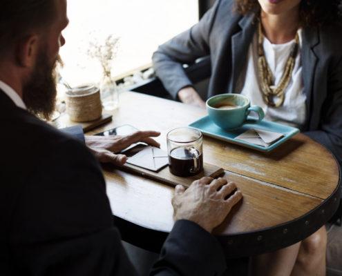 Clairvoyance har de seneste år vundet mere og mere indpas i erhvervslivet og med god grund. Det kan nemlig med fordel bruges i virksomhedssammenhænge, fordi man får leveret de muligheder, tiltag og forandringer, der ikke nødvendigvis ligger lige til højrebenet, men faktisk kan være vejen frem.